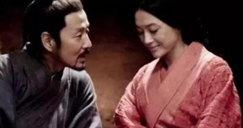 吕公的乔迁宴上刘邦是怎么抱得美人归的?刘邦爱吕雉吗?