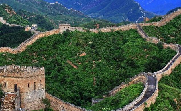 万里长城高度才10米,在古代能防住什么?