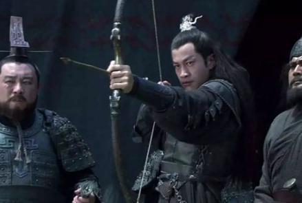 """曹操""""煮酒论英雄""""的目的是什么?刘备是怎么逃过一劫的?"""