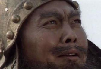 张飞失徐州关羽说了什么?张飞为什么拔剑自刎?