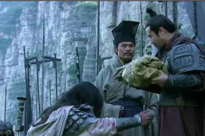 刘备为何选赵云当贴身护卫而不选关张?背后玄机让人直竖拇指