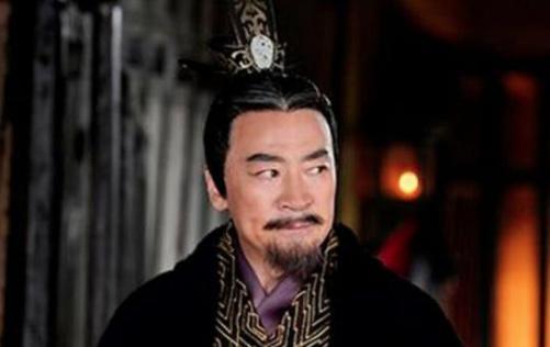 他一生辅佐三朝皇帝,去世后却被抄家