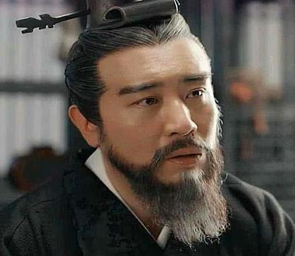 曹操为什么不愿意称帝 而晚年却想当周文王呢