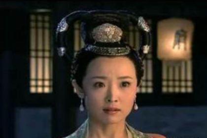 苏显儿和小清,李元芳更爱谁呢?