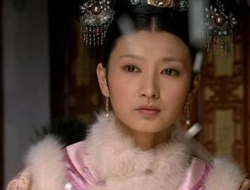 甄嬛传中富察贵人身世最高 受太后娘娘的青眼的沈眉庄第三