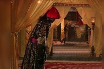 """清朝末期嫔妃后宫生活是怎样的?干啥都需要太监""""陪同"""""""