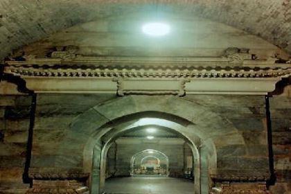 古代皇帝费尽了心思去设置各种机关来保护皇陵 为什么最后还是被盗了呢