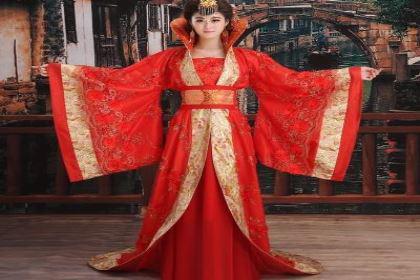 古代女子穿的很宽大还很长的衣服 难道就不怕托在地上弄脏吗
