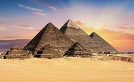 Djoser的阶梯金字塔:埃及最早的纪念金字塔
