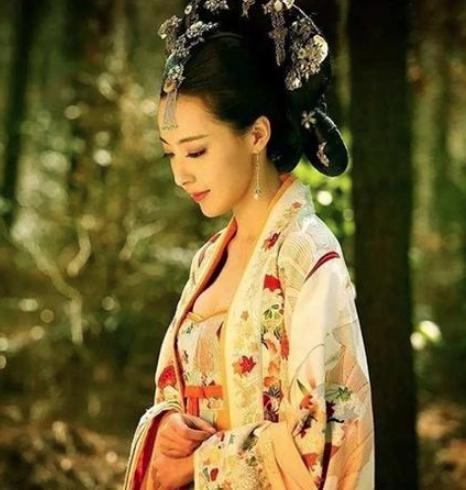 皇帝赏赐了半条鱼,15岁的公主为何直接自杀?