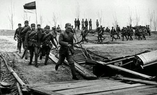 如果抗日部队里有个会说日语的中国军人,会有什么不一样?
