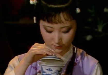 古代喝茶的时候是没有茶盏的 别在被电视剧给骗了