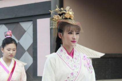她被父亲逼嫁给乞丐,后来成为掌管后宫的郭宁妃