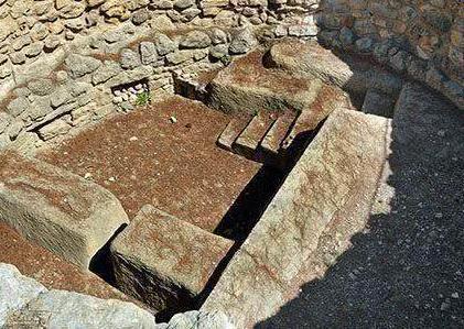 专家为什么会停止挖掘雍正的墓地呢 只因墓上看到了此物