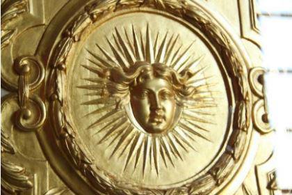 路易十四被称为太阳王的原因是什么 他都做了什么