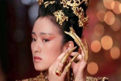 揭秘:清朝妃嫔为何手上都要戴着手指套呢?