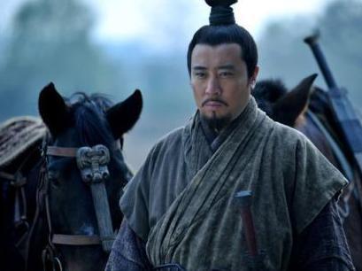 为什么说刘备是道貌岸然之辈 看看称王称帝这两件事就知道了