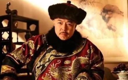清朝皇帝如厕太夸张!乾隆的两大要求竟然是被狗解决的?