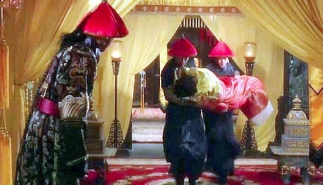 """皇帝""""翻牌子""""有4个步骤,看着都尴尬"""