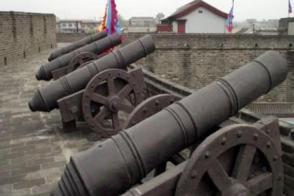 """明朝的""""红夷大炮""""是什么?还是打不过用刀剑的八旗军"""
