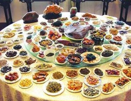 古代皇帝吃饭的排场有多大 一顿饭到底有多少菜呢