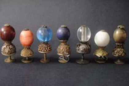 清朝官员帽子上珠子都是用来装饰的 不同官员分别有什么讲究呢