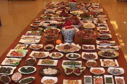 古代皇帝吃不完的剩饭,都是怎么处理的?