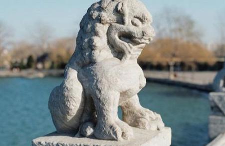 石狮子嘴里的球为什么拿不出来?古代工匠是怎么放进去的?