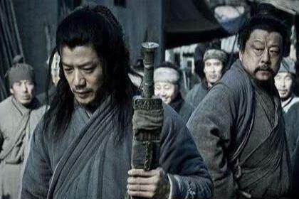 韩信当年能胯下之辱 韩信当上将军之后是怎么对待屠夫的