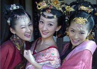 被皇帝打入冷宫的嫔妃,太监们为什么要争抢?