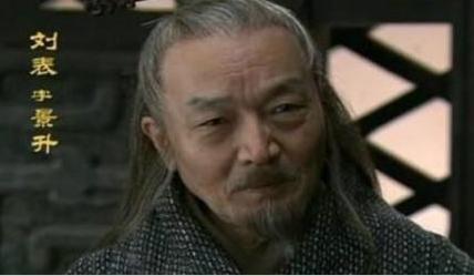 刘表临死前托孤给刘备 为何不选择投降曹操呢