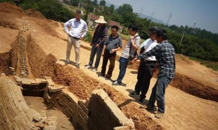 湖南挖出20万字失传古籍,秦始皇被冤枉了上千年!