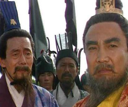 荀彧对东汉王朝忠心耿耿 为什么他要选择投靠曹操呢