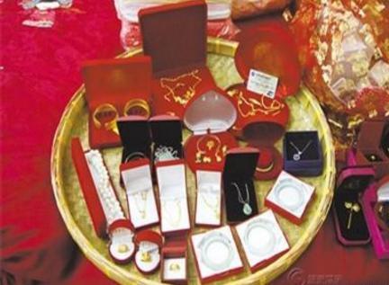 古代的彩礼与聘礼种类比较繁多 古人结婚时都送什么东西呢