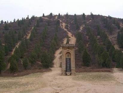 汉武帝死了那么多年 董卓为什么还要将汉武帝的尸体拉出来暴晒