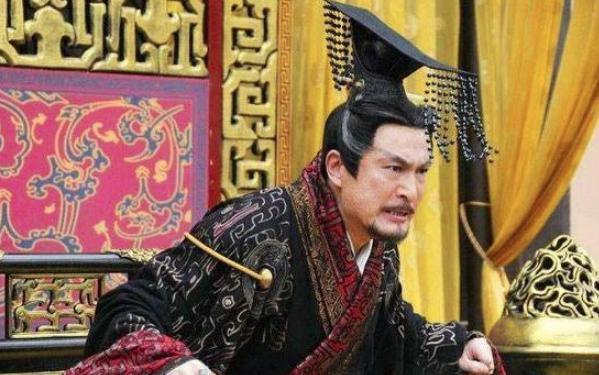 秦始皇短短30个字的信,吕不韦就饮鸩酒自尽