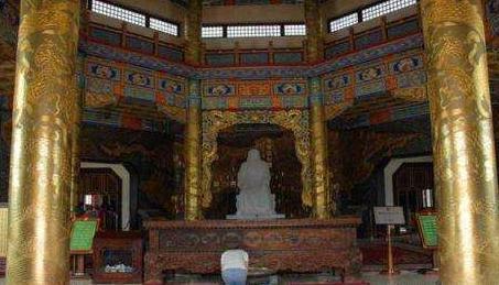 成吉思汗的墓地究竟在什么地方 有关于他的墓地位置有几种说法呢