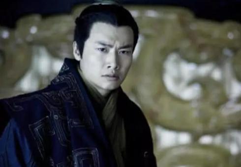 为什么秦始皇的孩子不跟随他的姓.一个叫胡亥,一个叫扶苏呢