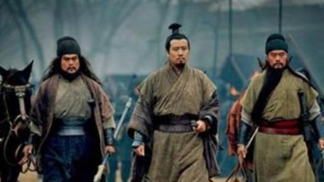 """""""夷陵之战""""刘备连营七百里的决策正确吗?如果不连会怎么样?"""