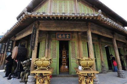吴雄光晚上加班遇到乾隆皇帝,从此飞黄腾达