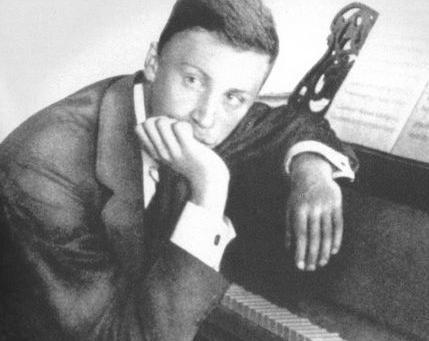 关于谢尔盖·普罗科菲耶夫的评价是怎么样的?他在音乐上有着怎样的造诣