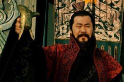 """曹操为什仫喜欢戴""""乱世奸雄""""这顶帽子?"""