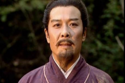 """""""三让徐州"""",""""三进小沛"""",刘备的目的到底是什么?"""