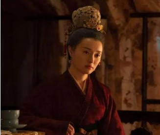 刘娥是如何平衡用权与专权的?她受到了哪些制约?